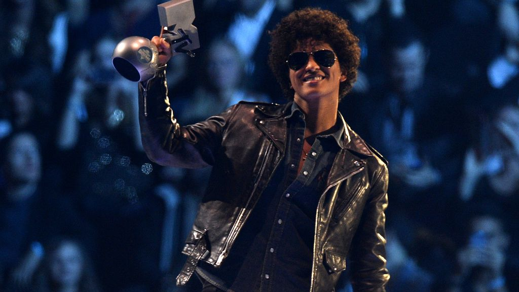 Bruno Mars, Mejor Canción con 'Locked out of heaven'