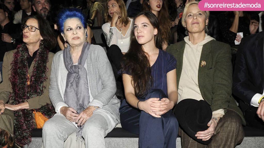 Las mujeres Bosé en el desfile de Francis Montesinos
