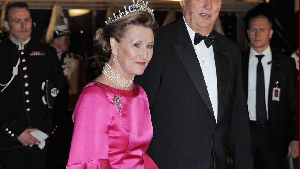 Los reyes de Noruega: Harald y Sonia a su llegada al DR Concert Hall