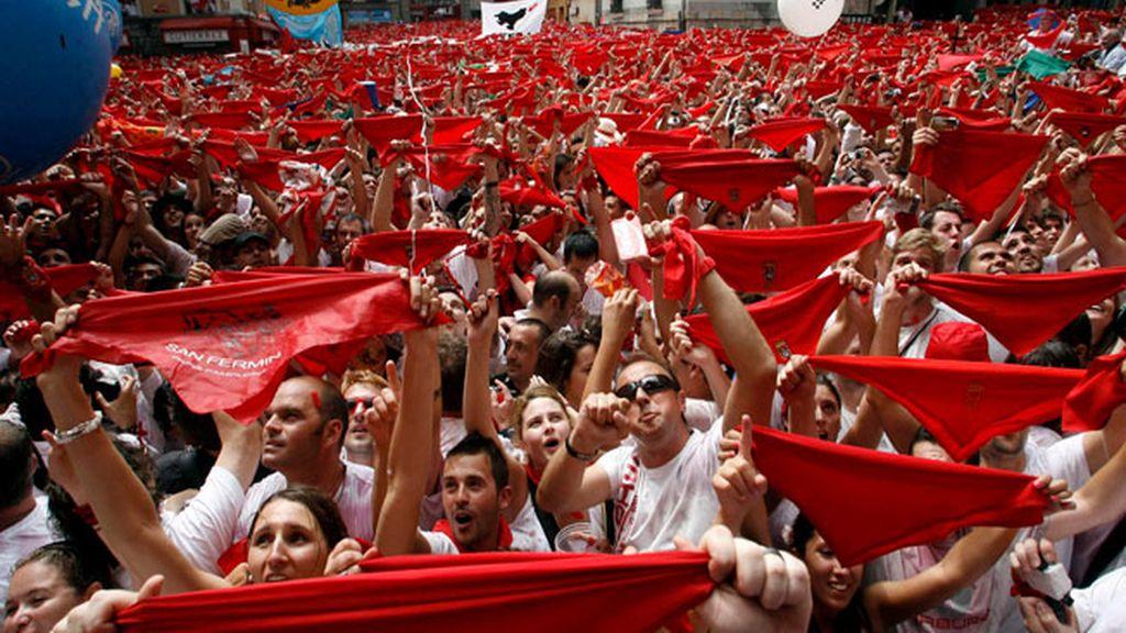 Pañuelos rojos al viento
