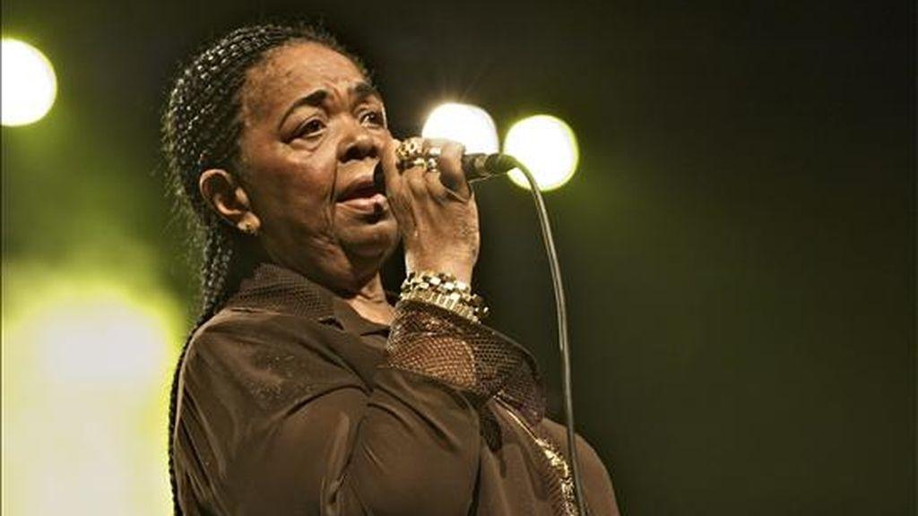 La cantante folclórica de Cabo Verde Cesária Évora. EFE/Archivo