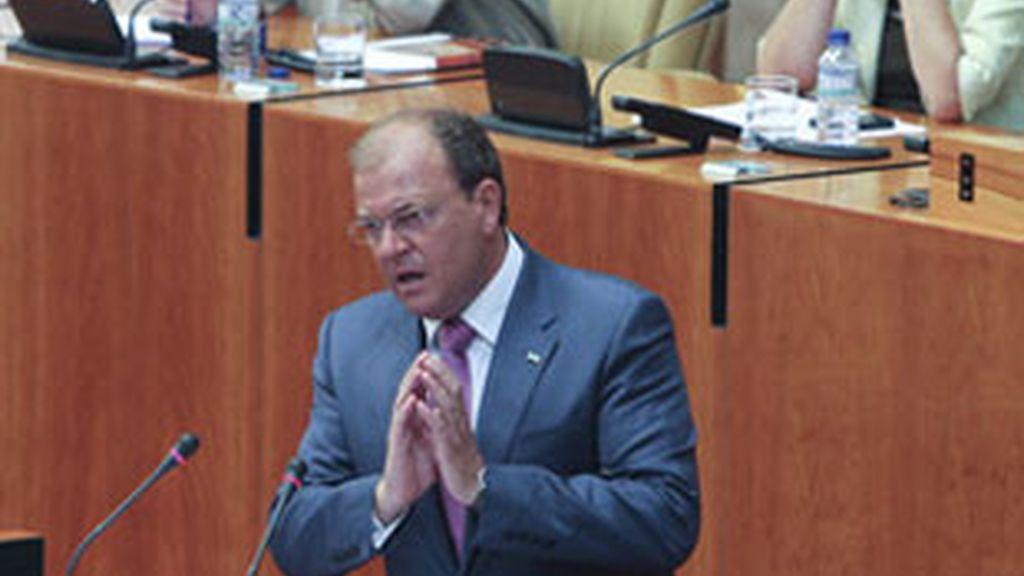 Monago es el nuevo presidente de Extremadura gracias a la abstención de IU. Foto: EFE.