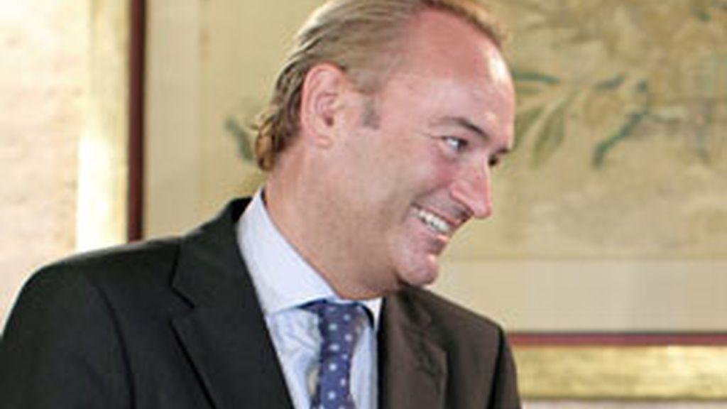 El presidente de la Generalitat Valenciana, Alberto Fabra, ha anunciado que recortará el 20 por ciento del presupuesto. Foto: Efe.