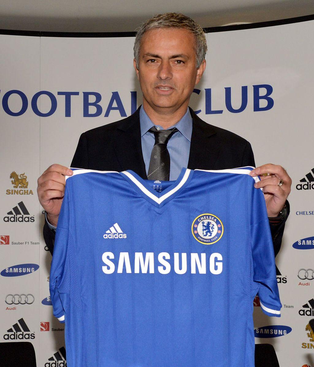 Mourinho, presentado con el Chelsea