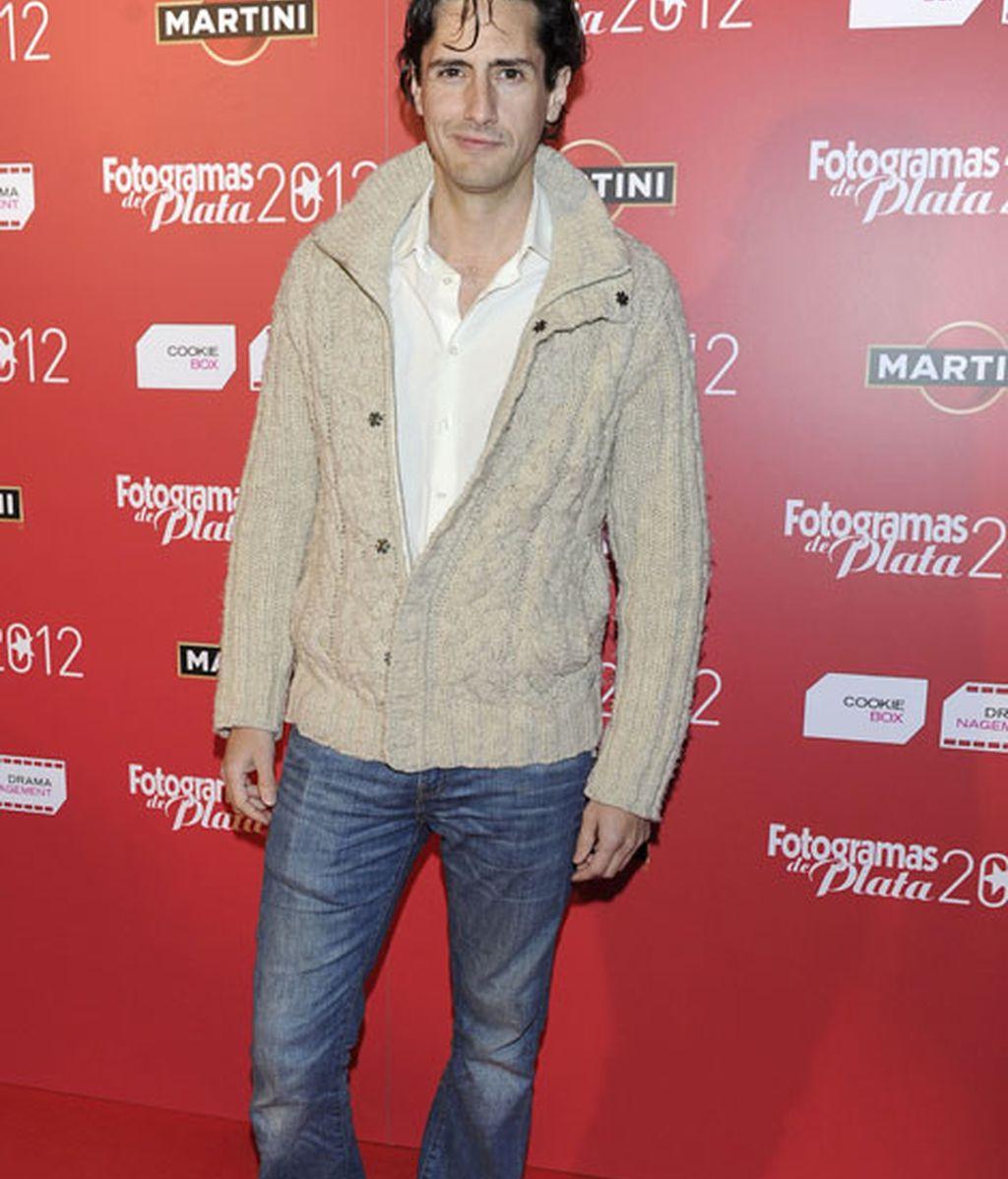 Juan Diego Botto, pasa de la elegancia y se decanta por la comodidad