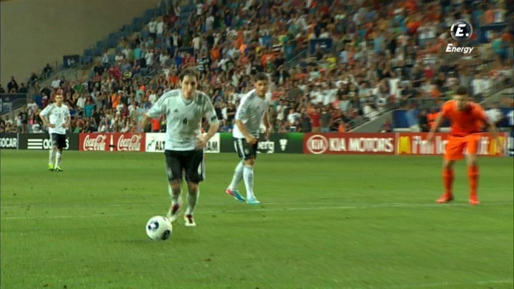 Alemania acortó distancias de penalti en la segunda parte.