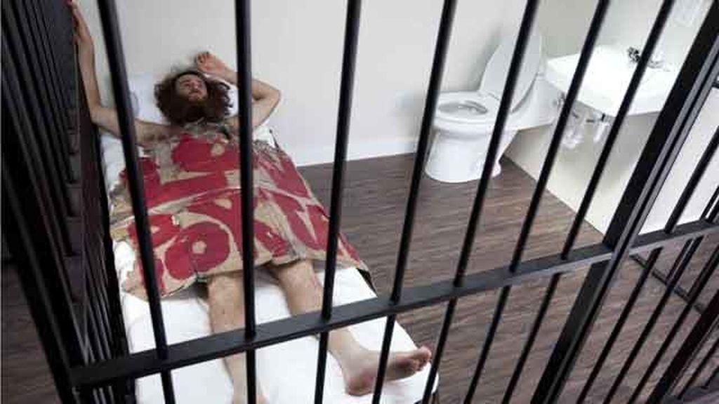 Un artista chino alquila su obra de arte para poder dormir