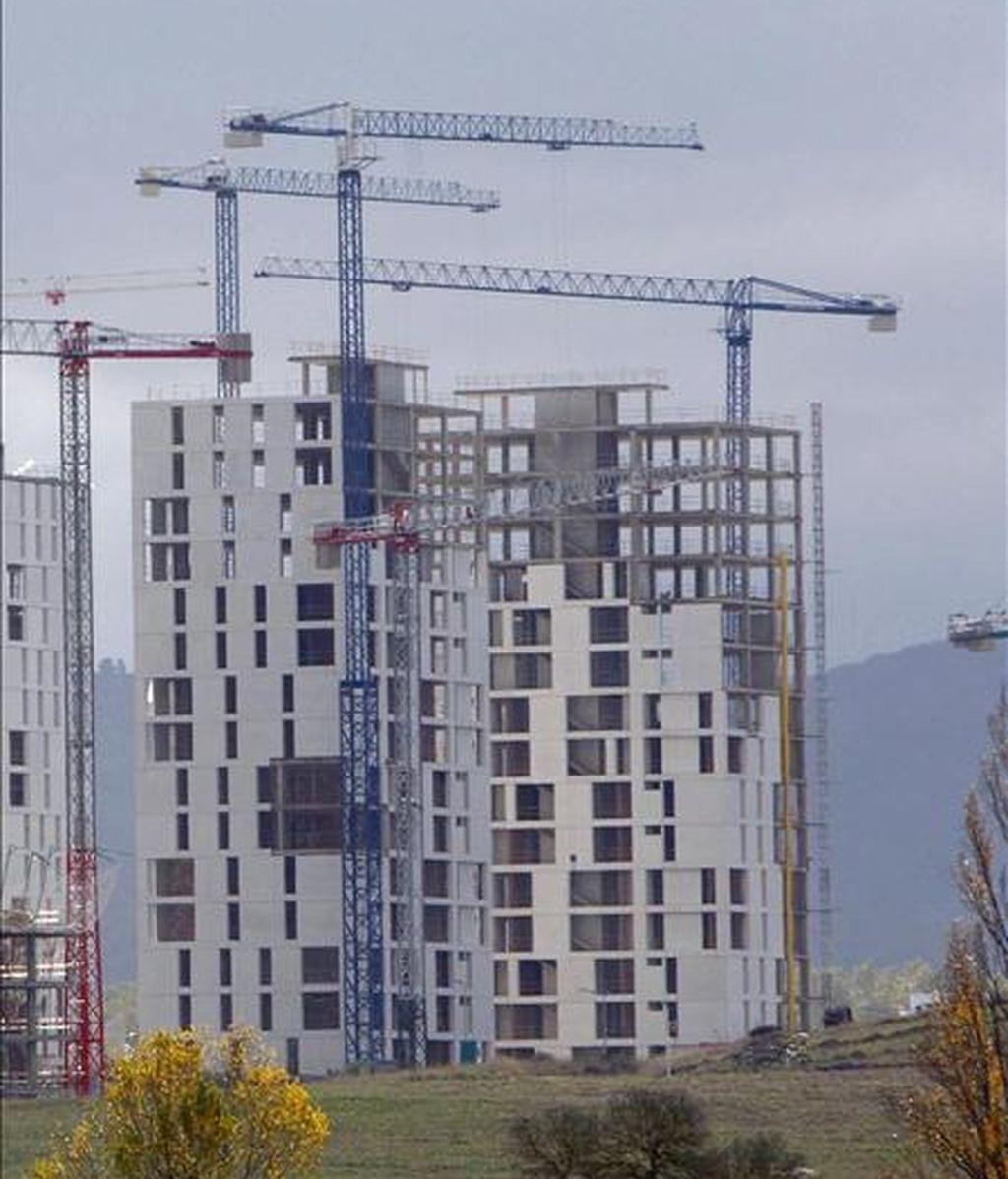 En la imagen, un edificio de viviendas en construcción. EFE/Archivo