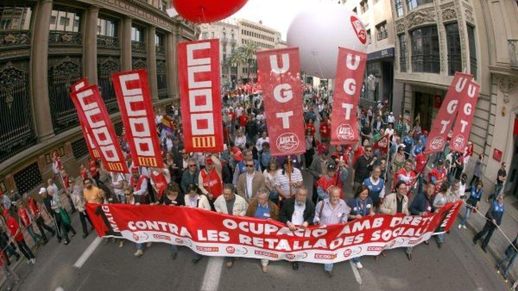 Méndez y Toxo encabezan la marcha de Valencia