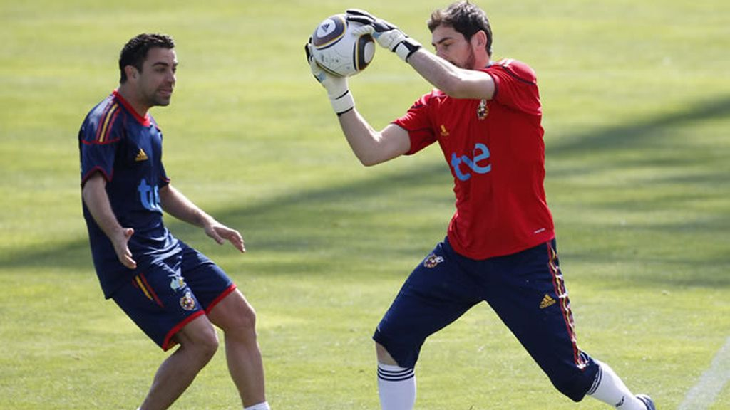 Iker Casillas alaba a sus compañeros
