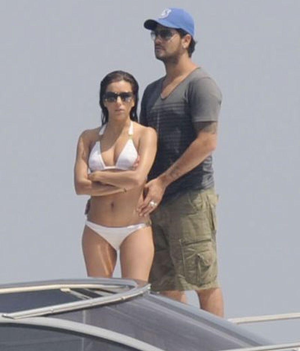 Eva Longoria y su novio, Eduardo Cruz, en yate por las aguas de Marbella