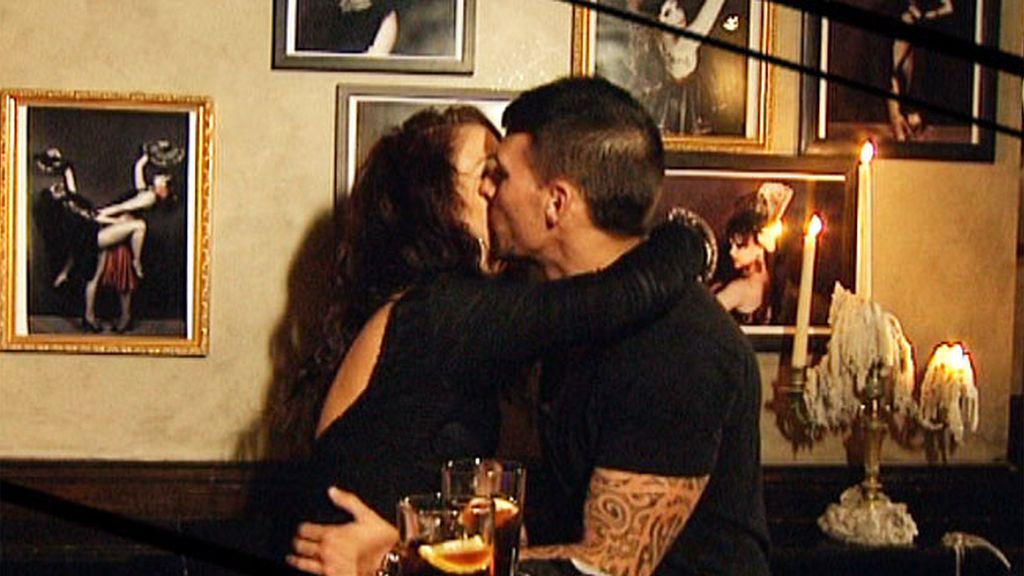 Apasionados, románticos... Ferchu conoce mil formas de dar besos