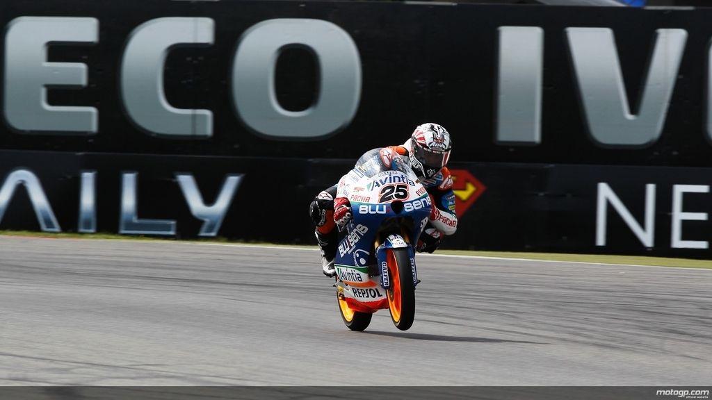 Maverick Viñales marcó el mejor tiempo de Moto3 en los segundos oficiales