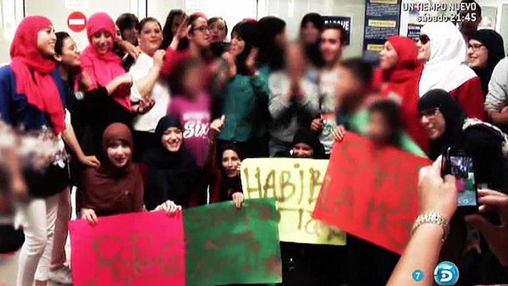 Familiares y amigos de la concursante de 'GH 15' le esperaban