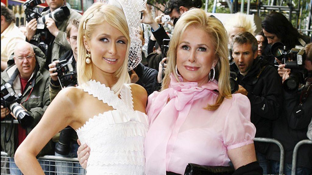 Paris Hilton con su madre