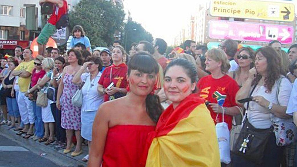 Eva Jiménez y su hermana