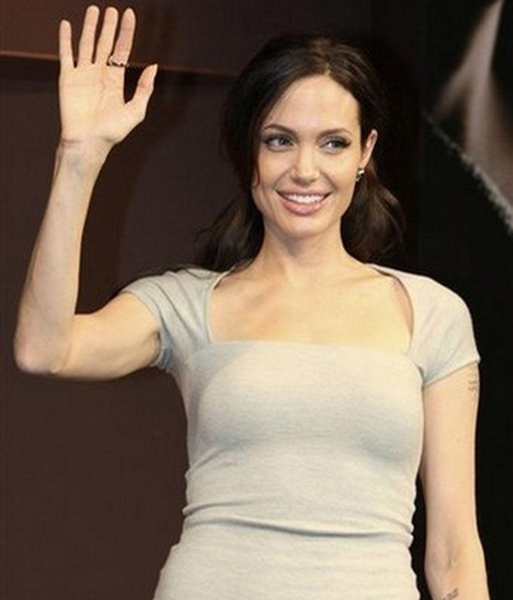 Angelina Jolie durante la presentaciónde 'El Intercambio' en Tokio. Foto: AP