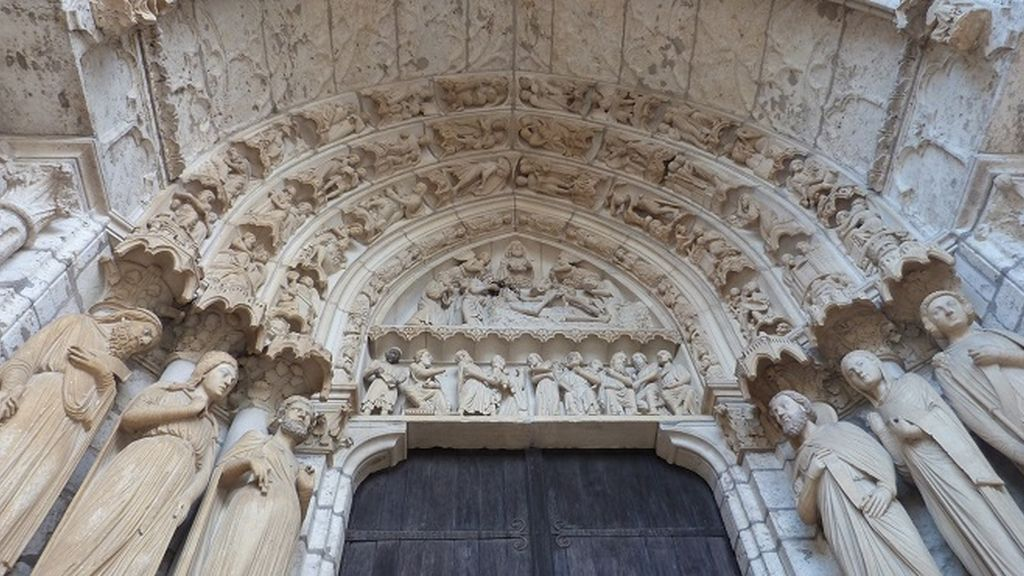 chartres 8