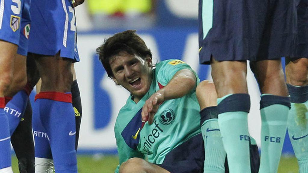 Messi se perderá dos semanas, Ujfalusi dos partidos