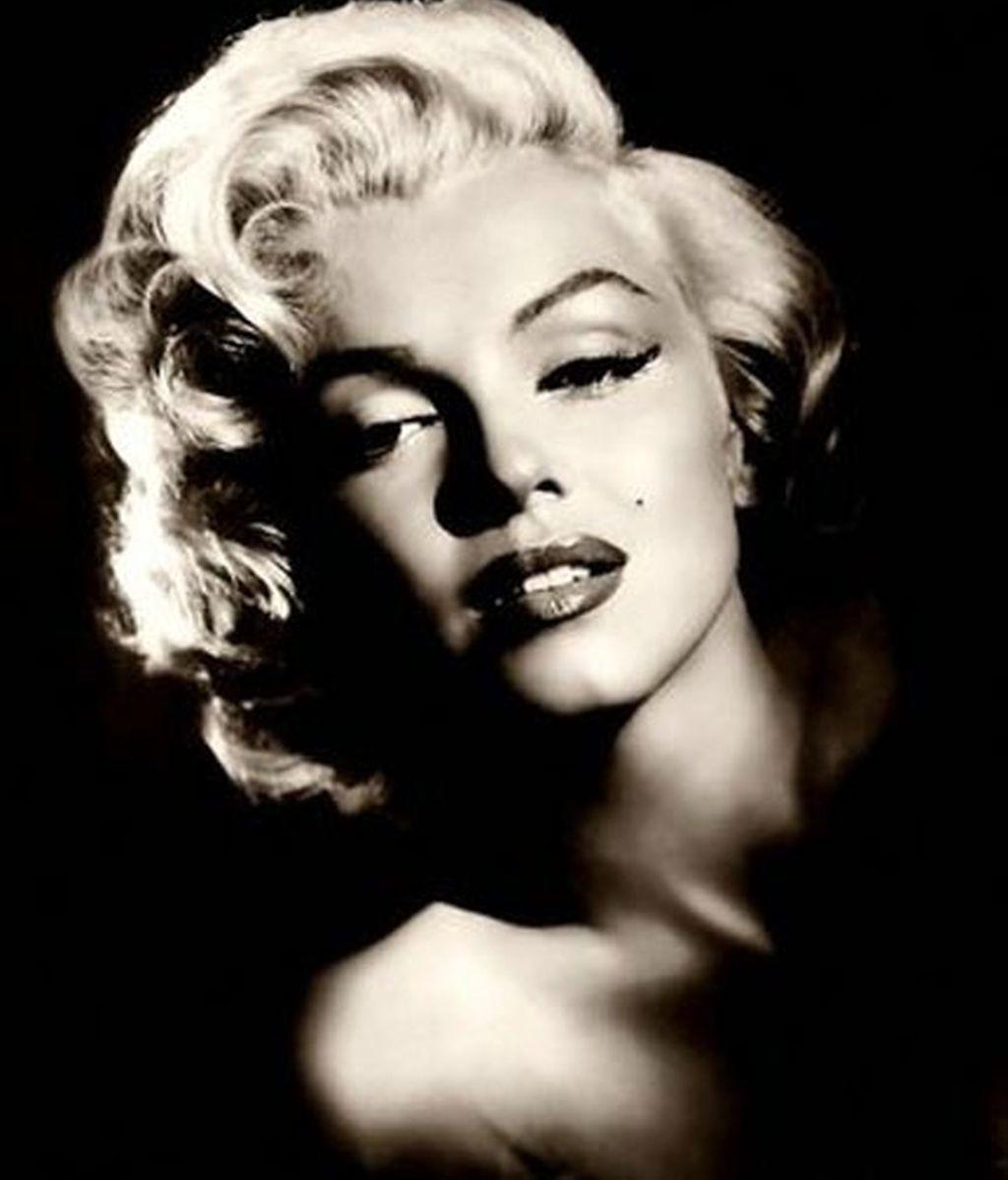 Marilyn Monroe = Norma Jean Baker