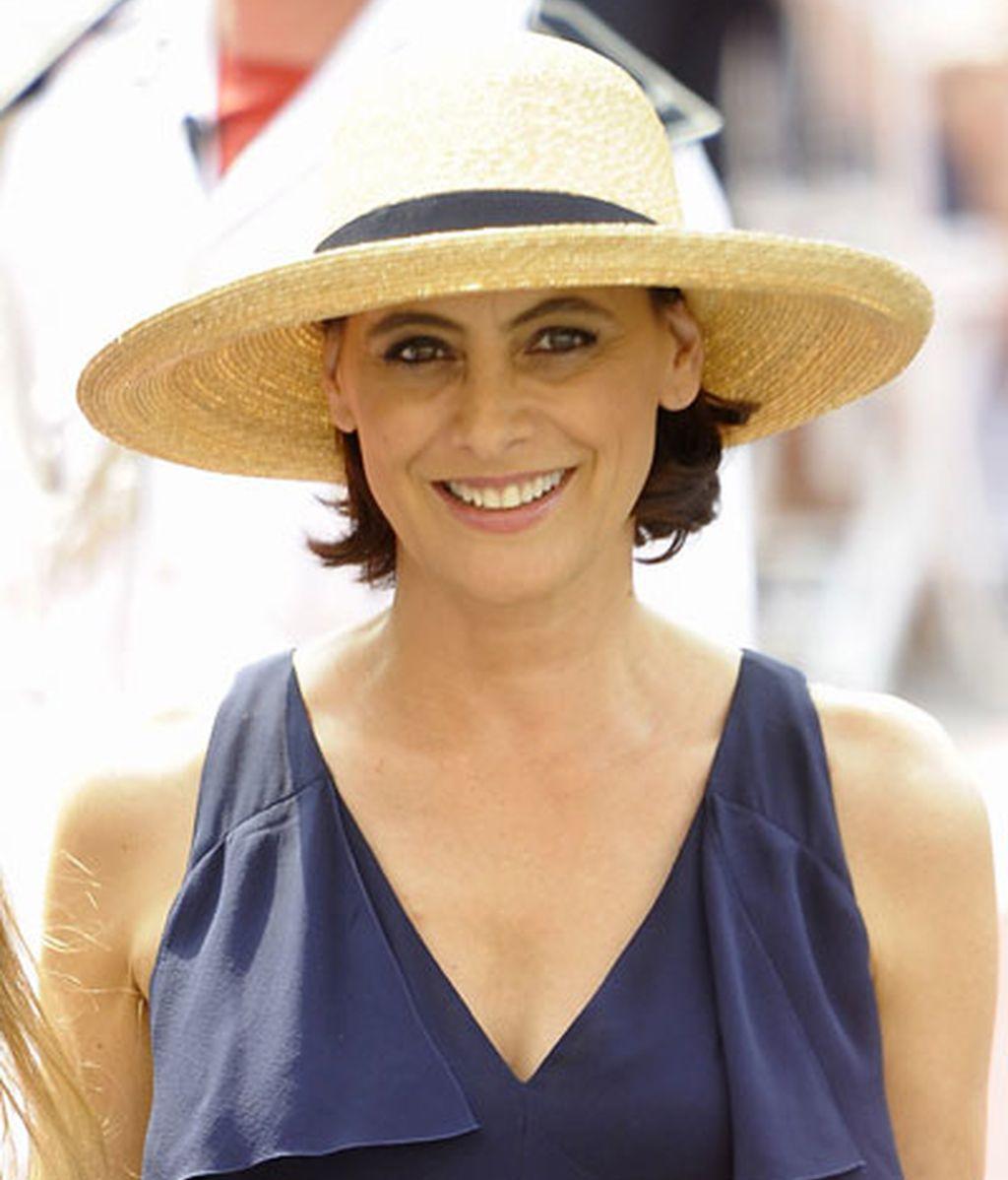 Inés de la Fressange, con sombrero de paja
