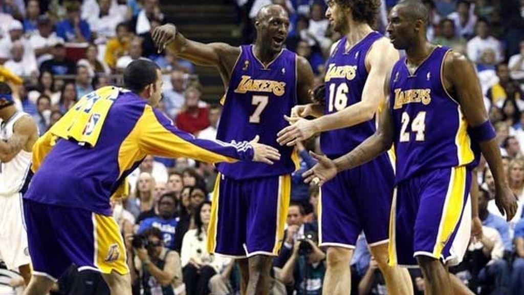 Gasol y Bryant, héroes de lso Lakers