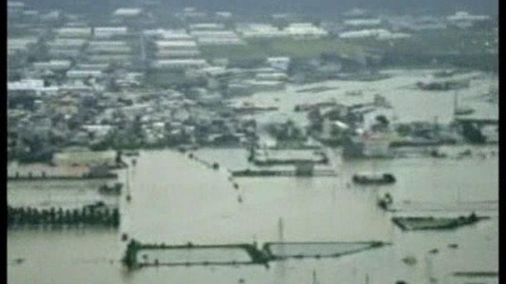 Poderoso tifón Fanapi
