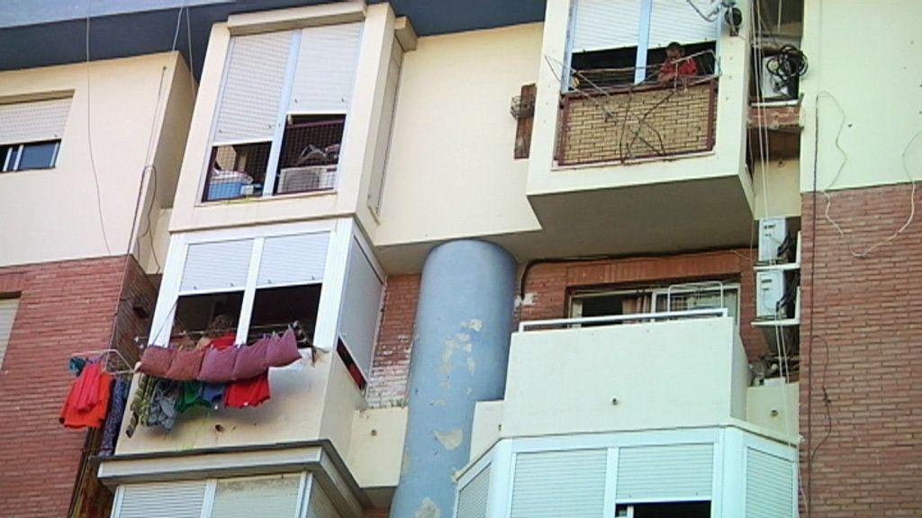 Así viven los vecinos de la calle Gonzalo de Berceo, en Huelva