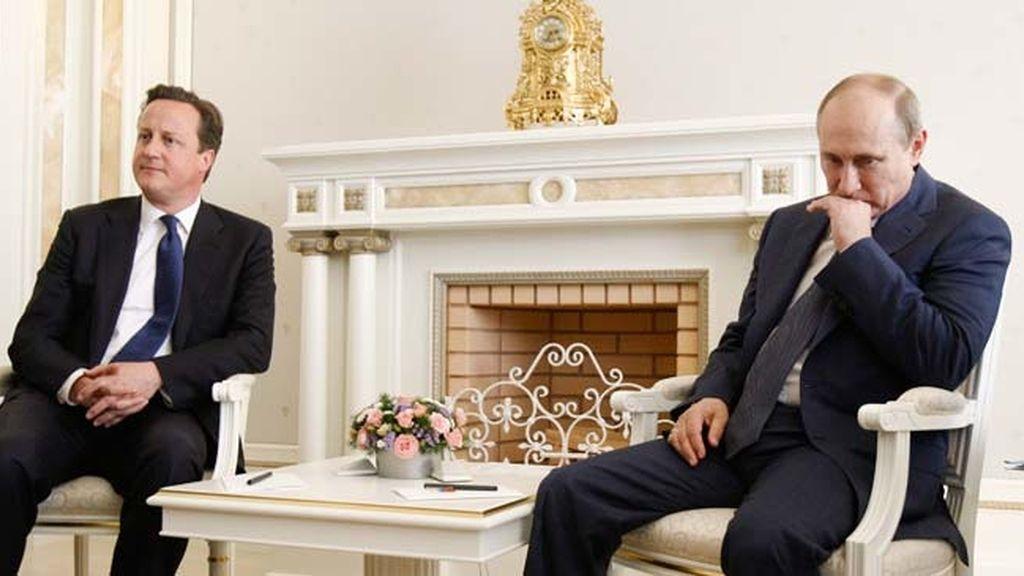 Cameron y Putin se reúnen para tratar el conflicto sirio