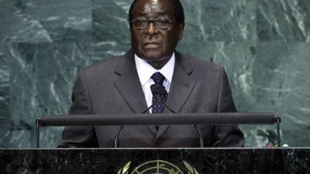 Robert Mugabe, farsa internacional en Zimbabwe