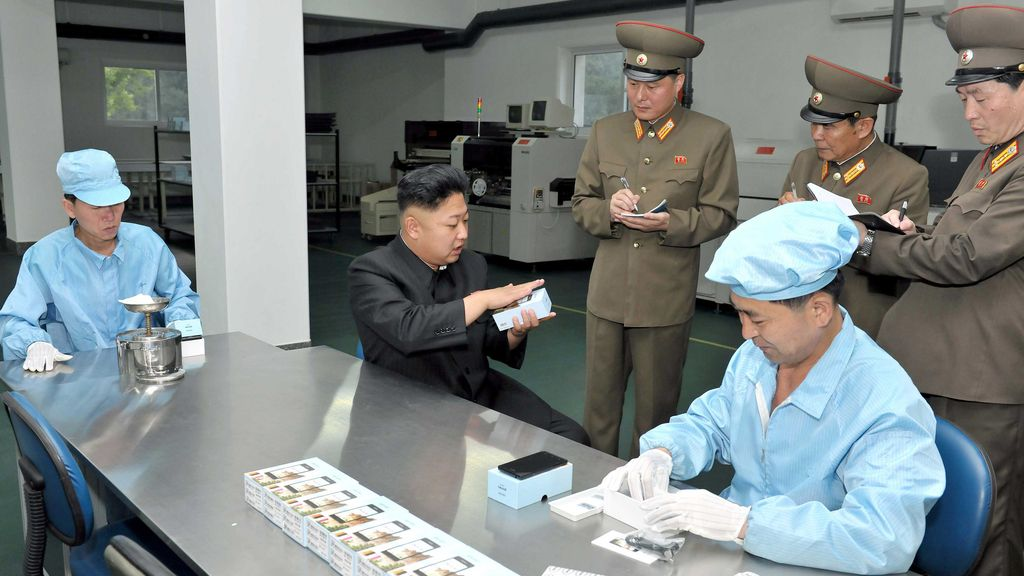 Corea del Norte crea su primer smartphone oficial