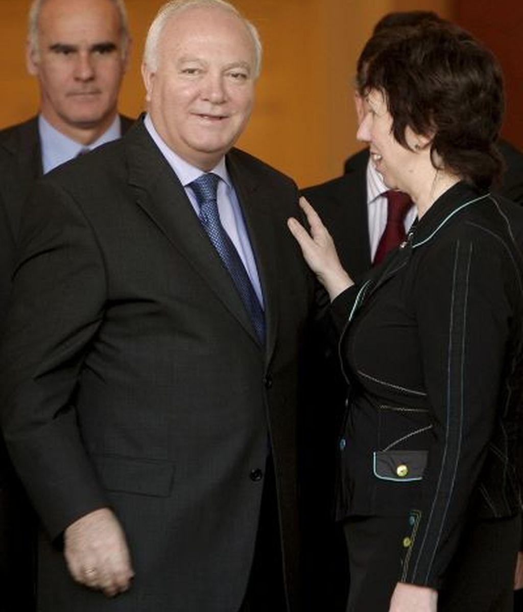 Moratinos, con la alta representante para Asuntos Exteriores y Política de Seguridad de la UE, Catherine Ashton. FOTO: EFE.