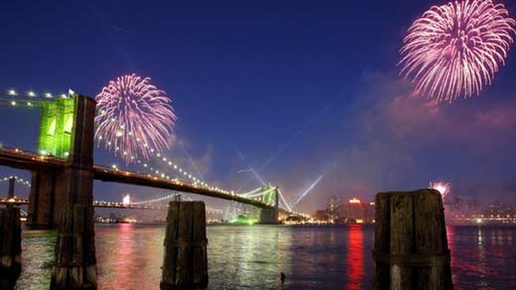 Festejos en el puente de Brooklyn. Vídeo: Atlas
