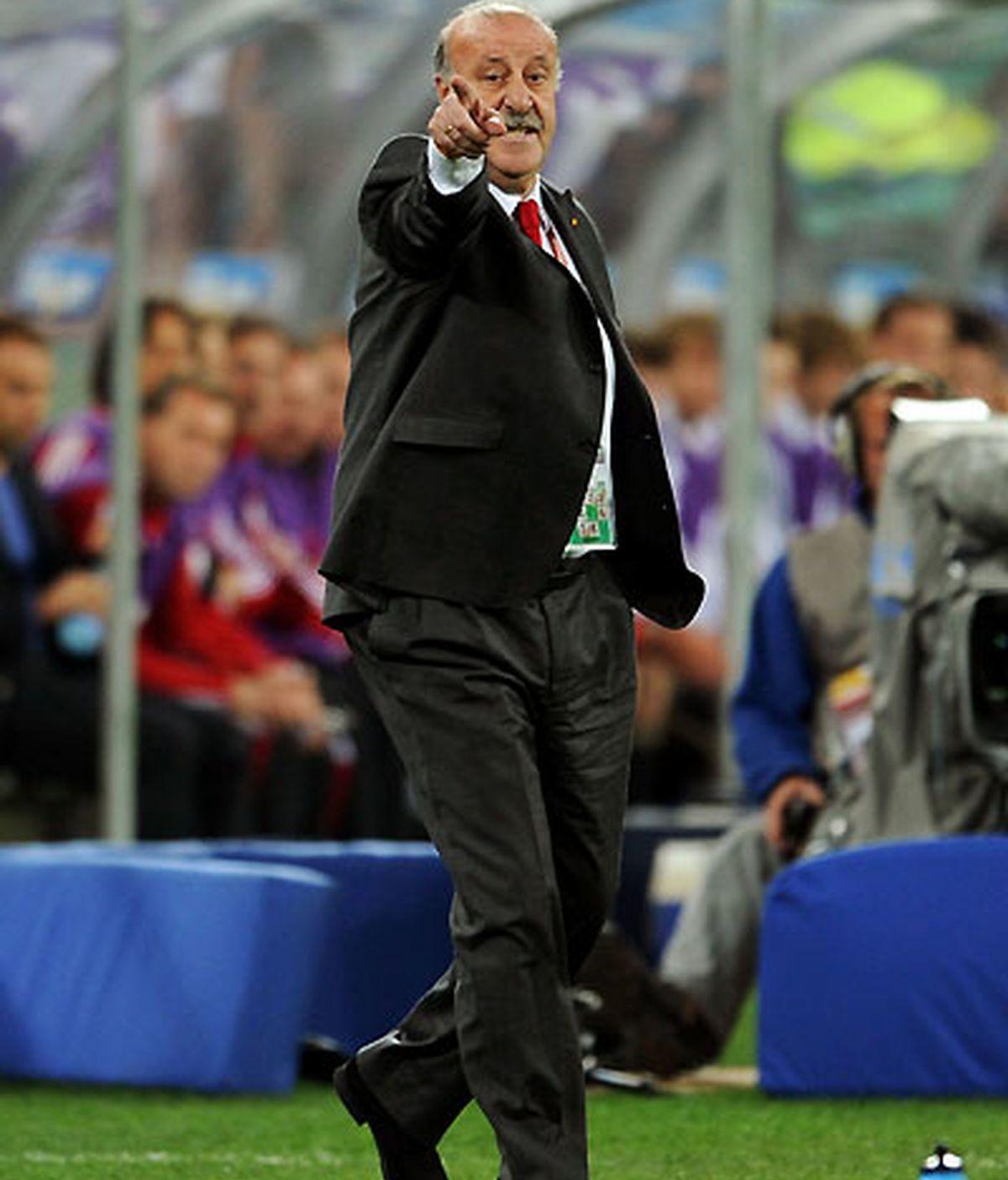 Vicente del Bosque entrará en la historia como el primer seleccionador en meter a España en una final de Mundial. VÍDEO: Informativos Telecinco.