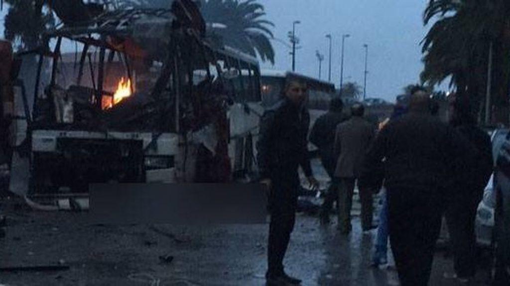 Ataque a un autobús de guardias presidenciales en Túnez