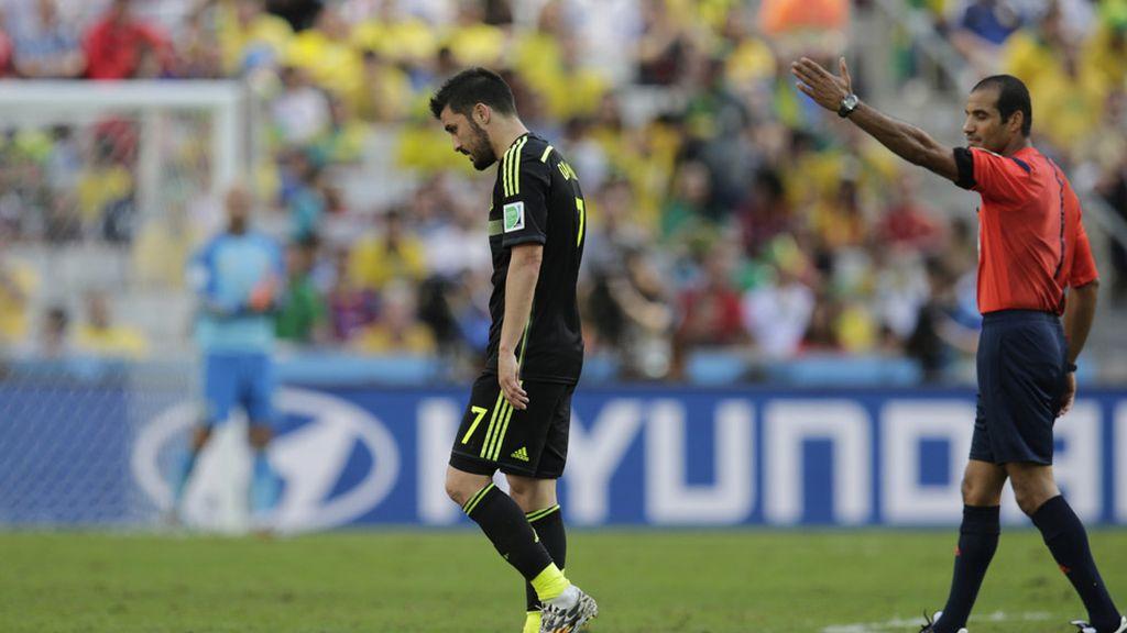 Nawaf Abdulla, árbitro de Bahréin, mandó a Villa que saliera rápido