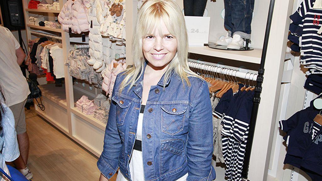 La actriz Lluvia Rojo fue una de las invitadas a la apertura de la primera tienda de GAP en Madrid