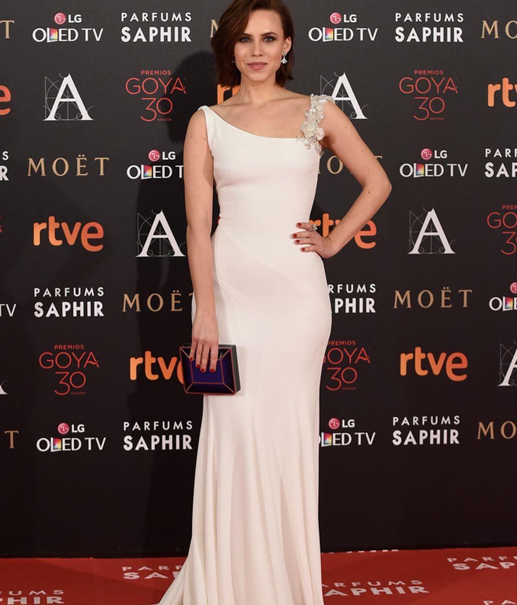 Aura Garrido con vestido de Pronovias