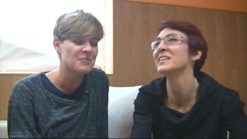 Tania entrevista a Lola González en el backstage