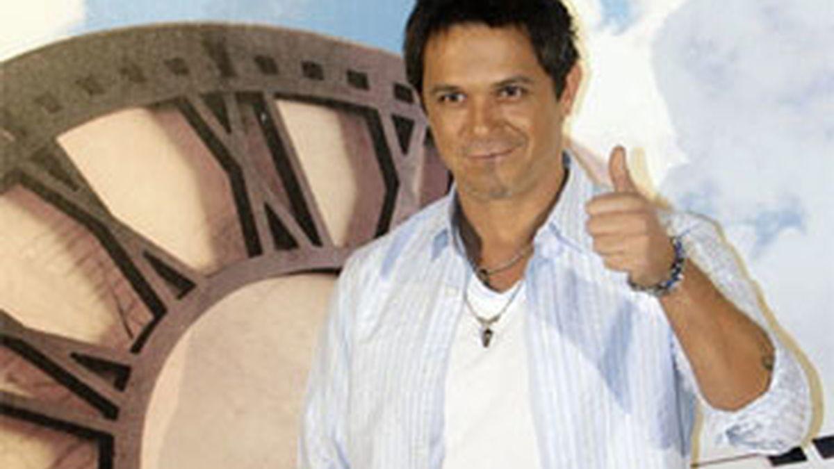 Alejandro Sanz durante la presentación de 'Paraíso Express'. Foto: EFE