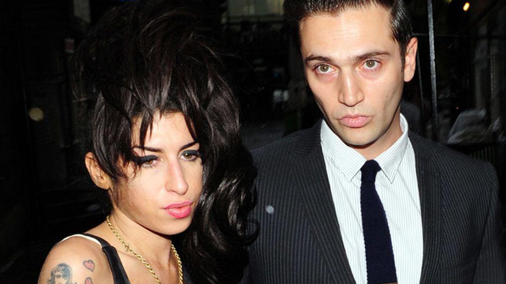 Amy Winehouse y Reg Traviss