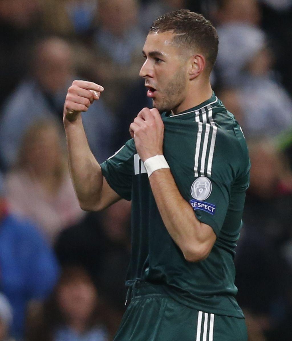 Karim Benzema celebra su gol ante el Manchester City