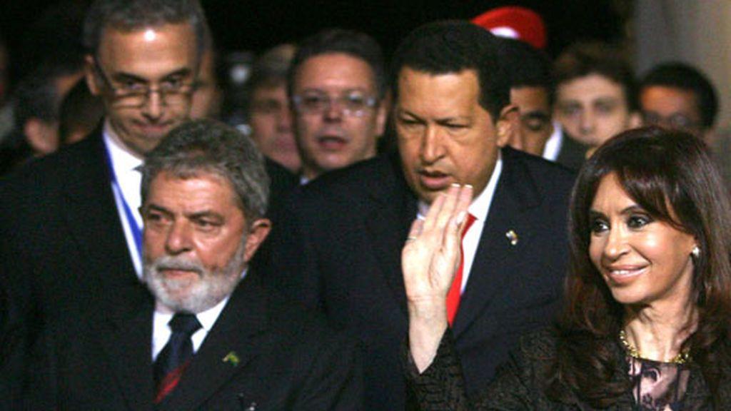 Los mandatarios suramericanos, presentes en la XXV Cumbre del Mercosur han reaccionado con duras críticas a la normativa de retorno aprobada por el Parlamento Europeo.