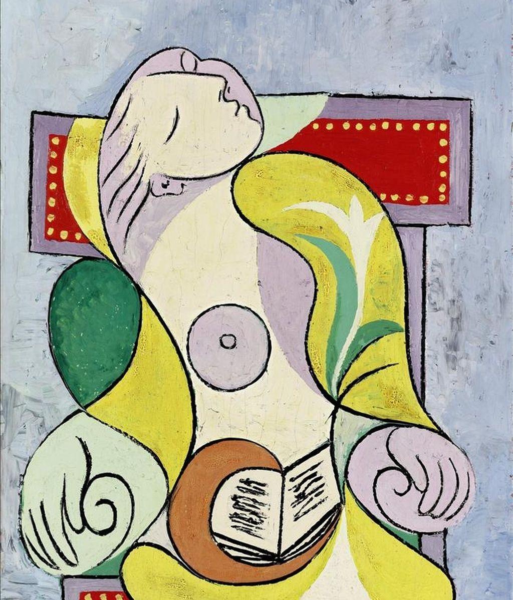 """Reproducción de la pintura en óleo sobre lienzo del artista español Pablo Picasso """"La Lecture"""" (1932), una de las más de cincuenta obras impresionistas y de arte moderno y contemporáneo que se exponen desde, en la sede de Sotheby's en Nueva York. EFE"""