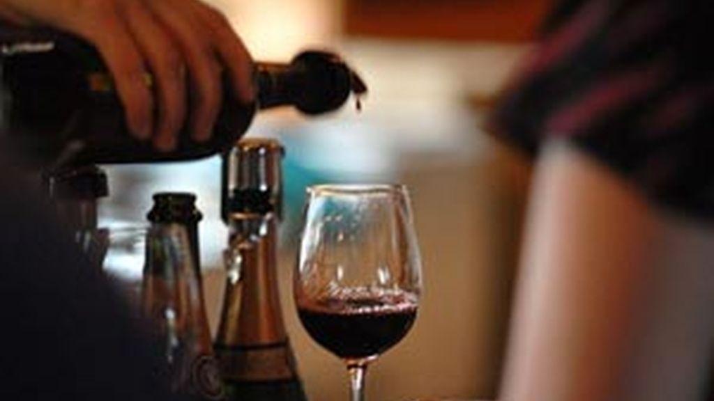 El vino en consumo moderado puede proteger el corazón. FOTO: EFE