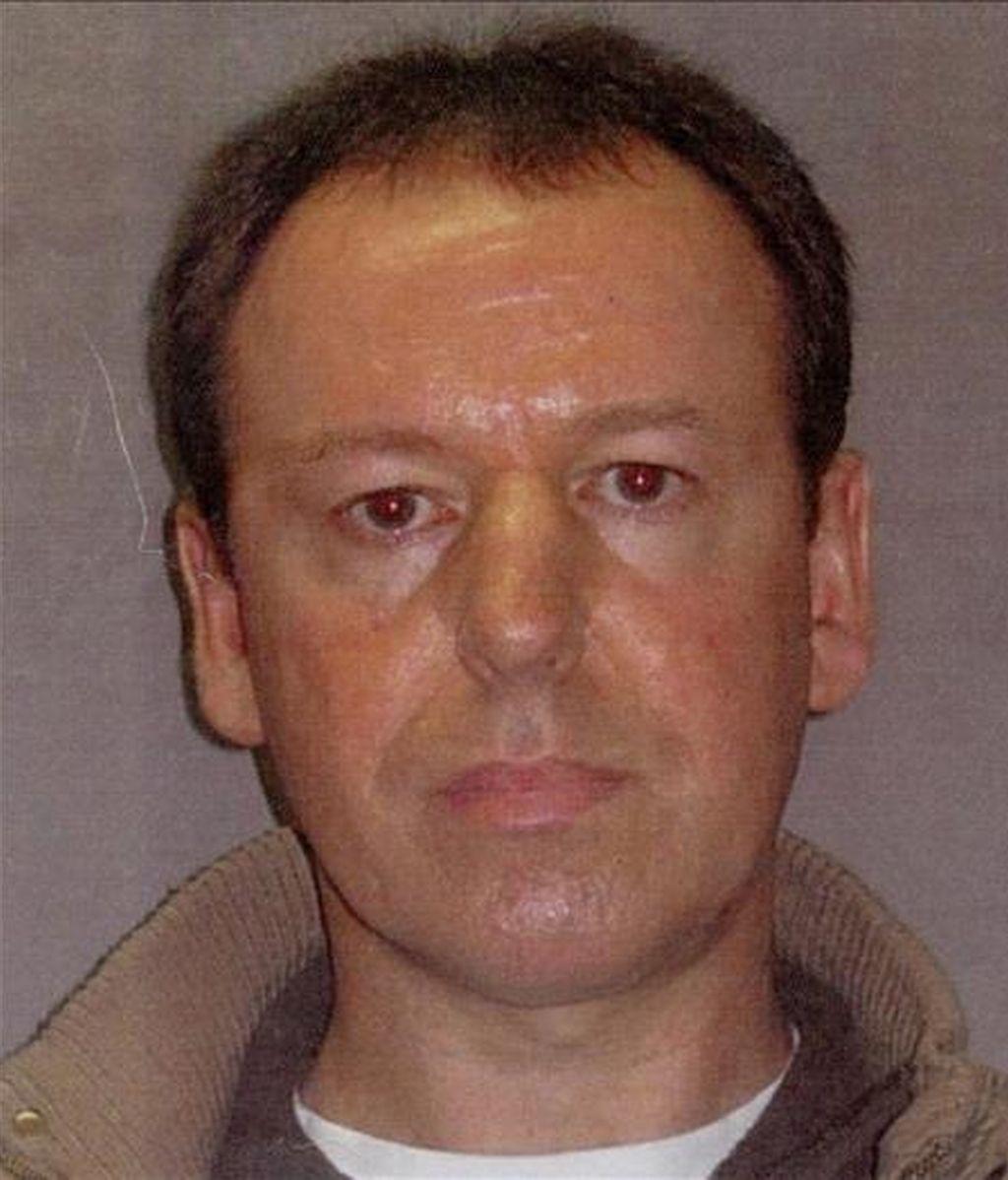 Foto facilitada el 19 de mayo de 2010, por la fundación Crimestoppers, que muestra a Martin Anthony S., de 44 años, el pederasta más buscado en Reino Unido, y pareja de la parricida británica acusada de matar a sus dos hijos en un hotel de Lloret de Mar (Girona). EFE/Archivo
