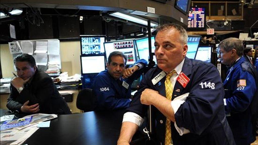 El informe del Departamento de Comercio reflejó que las empresas crearon el pasado mes 83.000 empleos, frente a unos 115.000 que esperaban ver algunos economistas. EFE/Archivo