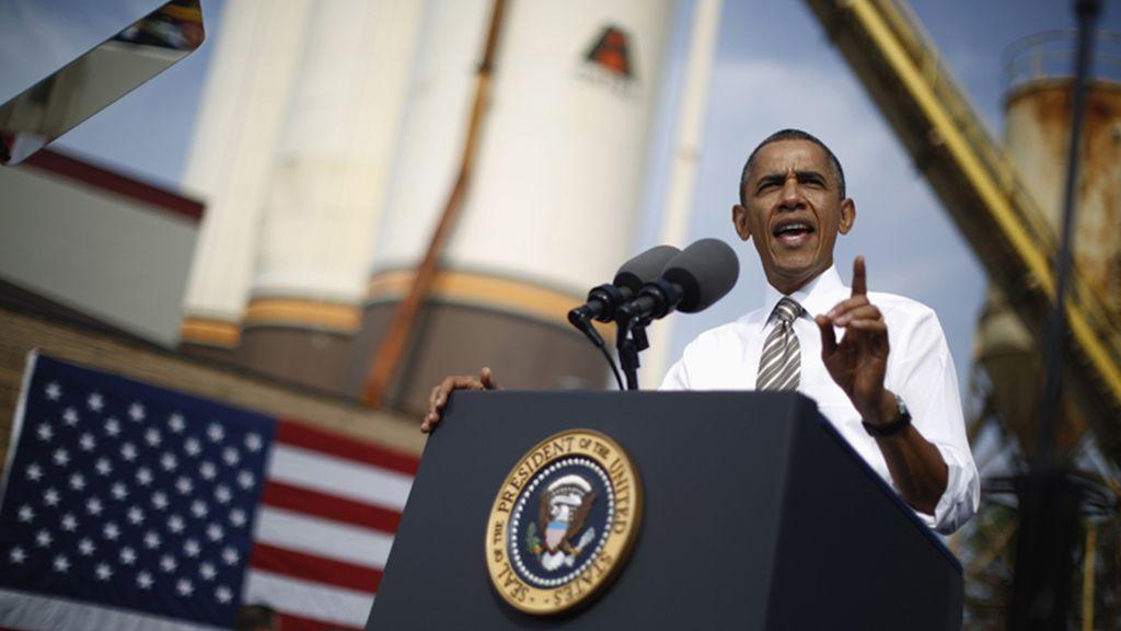 """Obama asegura que los republicanos están """"obsesionados"""" con su plan de salud"""