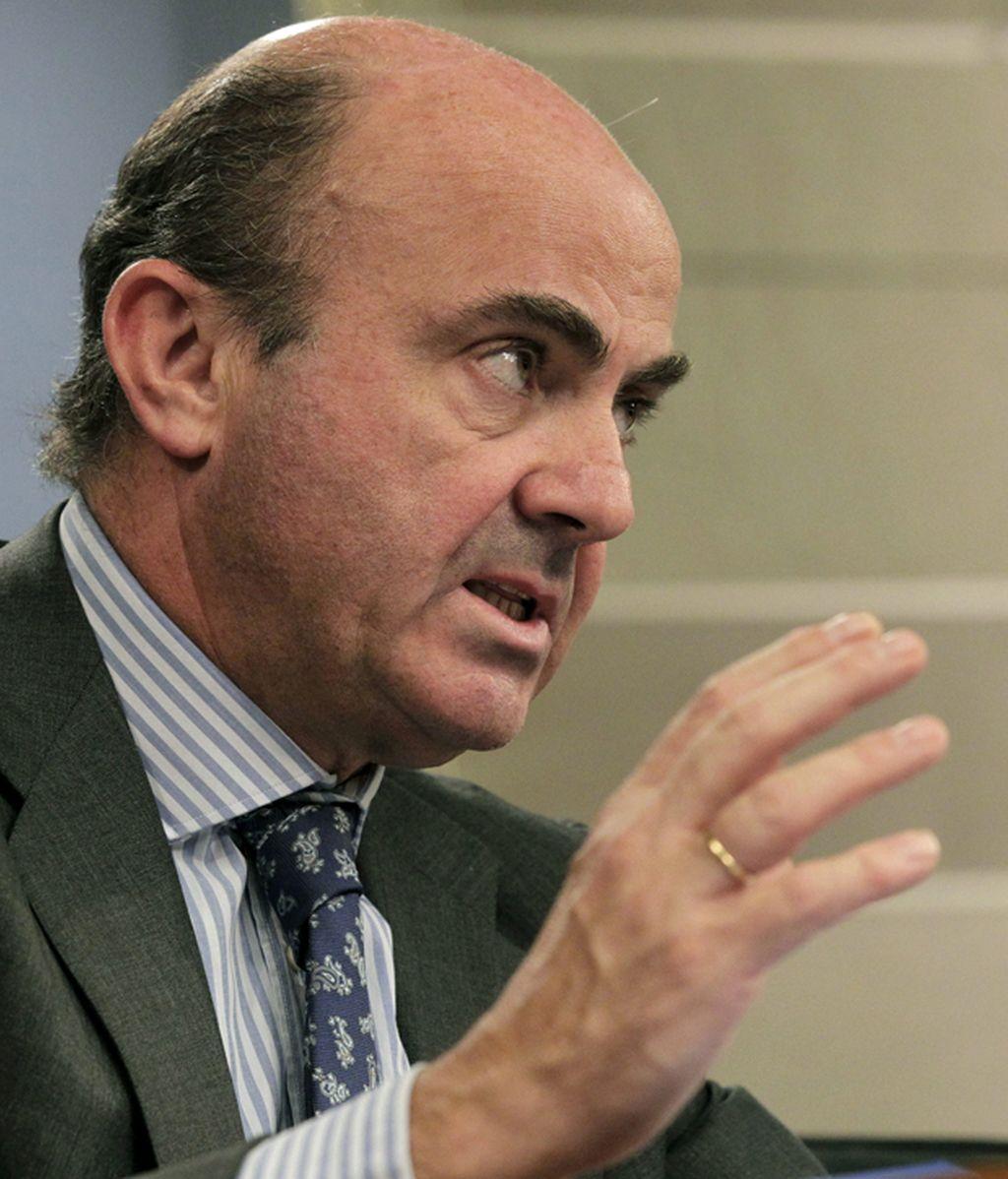 Luis de Guindos, en la rueda de prensa posterior al Consejo de Ministros en el que se ha dado luz verde al proyecto de Presupuestos Generales del Estado para 2013