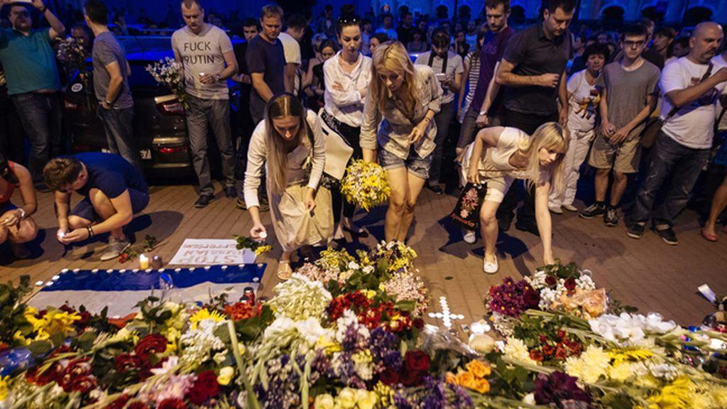Homenaje a las víctimas del avión estrellado de Malaysia Airlines